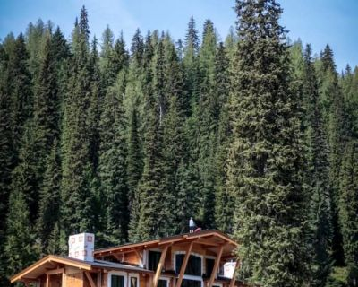 keefer-lake-lodge-160606-01-686x1030