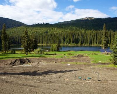 keefer-lake-lodge-170609-SeanHannah-033-1030x686