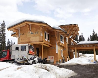 keefer-lake-lodge-build-160404-05-1030x686